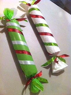 Decorar casa con caramelos de papel en Navidad