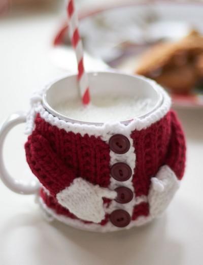 Traje de santa tejido en ganchillo para taza de café
