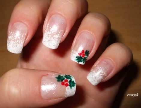 diseño navideño para las uñas-acebo