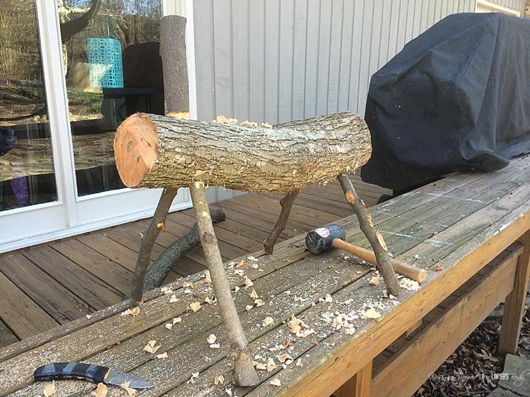 como-hacer-un-reno-reciclando-troncos-de-arbol