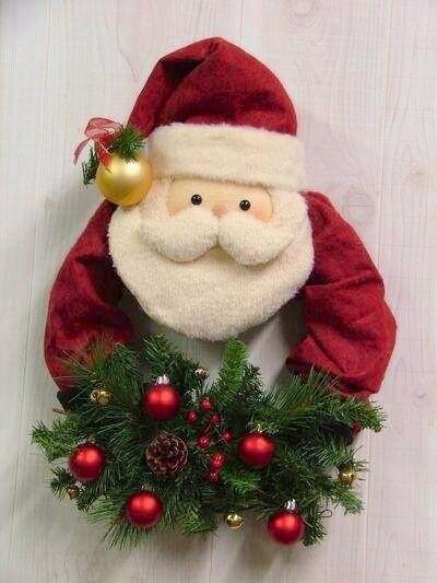 coronas-navidenas-de-papa-noel-para-la-puerta