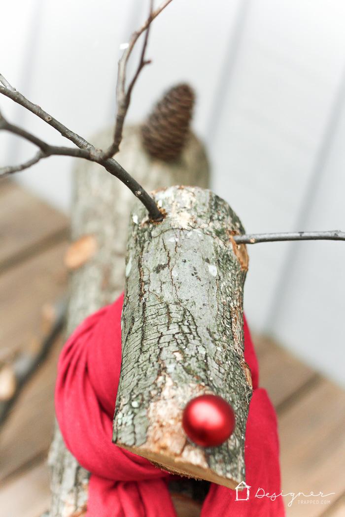 renos-de-navidad-con-troncos-de-arbol