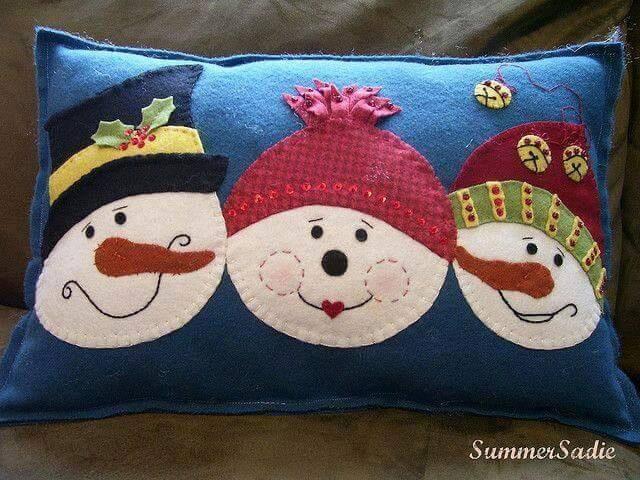ideas-de-cojines-con-munecos-de-nieve-para-decorar
